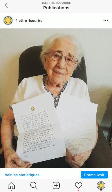 Photo de l'article : Mamie contente avec sa lettre