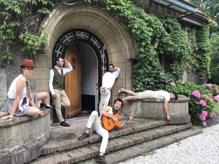 Photo de l'article : Les comédiens de la troupe les derniers enfants du siècle
